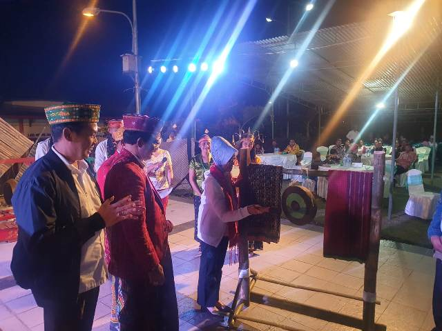 https: img-k.okeinfo.net content 2019 10 14 1 2116652 kemendes-pdtt-dan-pemkab-manggarai-gelar-festival-seni-dan-budaya-untuk-perdamaian-P7ujQivrLY.jpg