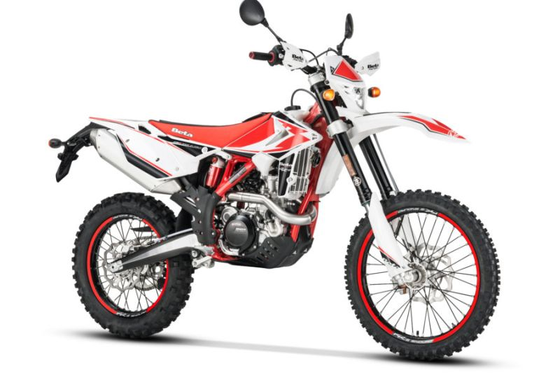 https: img-k.okeinfo.net content 2019 10 14 53 2116731 5-motor-dua-alam-yang-bisa-jadi-pilihan-bikers-qTSqaoOvgA.jpg