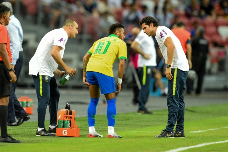 https: img-k.okeinfo.net content 2019 10 15 51 2116950 cedera-hamstring-psg-konfirmasi-neymar-jr-absen-4-pekan-soDQ9tnwxb.jpg