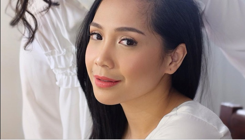 https: img-k.okeinfo.net content 2019 10 15 611 2117307 makeup-flawless-ala-nagita-slavina-cantiknya-natural-HjTbVAbud5.jpg