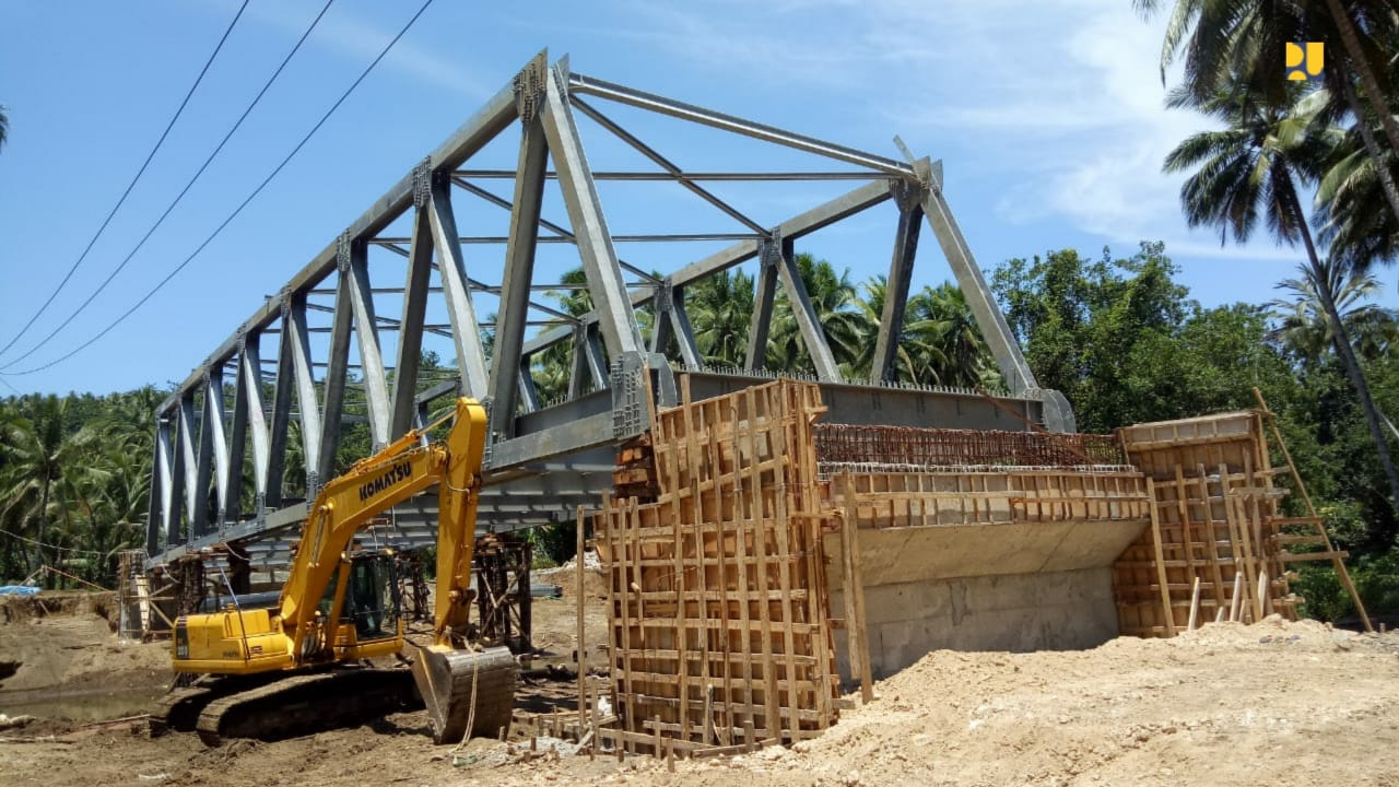 https: img-k.okeinfo.net content 2019 10 16 320 2117814 pembangunan-6-jembatan-dan-jalan-lingkar-morotai-dilanjutkan-OIvuaPrVW2.jpg