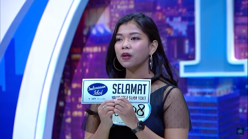https: img-k.okeinfo.net content 2019 10 16 598 2117909 demi-lolos-indonesian-idol-2019-ainun-latihan-bak-spartan-KDNfOQhjmf.jpg