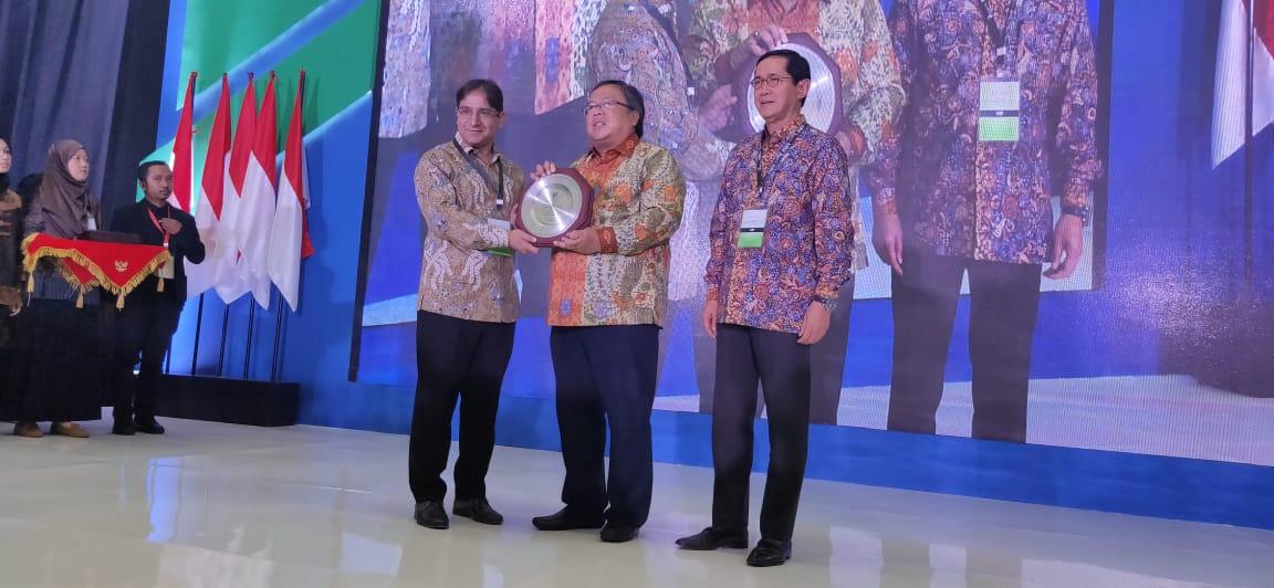 https: img-k.okeinfo.net content 2019 10 17 320 2118337 indonesia-juara-pertama-di-pasar-keuangan-syariah-global-XoHdqg9AT8.jpeg