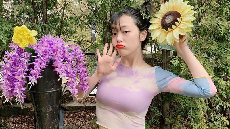 https: img-k.okeinfo.net content 2019 10 17 33 2118359 pesan-kesedihan-choiza-ditinggal-sully-juWlJeo4eG.jpg