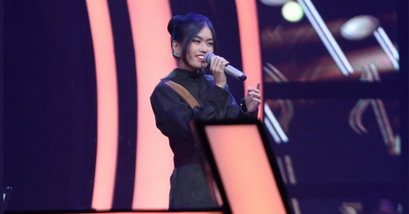 https: img-k.okeinfo.net content 2019 10 18 598 2118921 putri-alya-rohali-tersisih-di-the-voice-indonesia-2019-RrRLtyQt4r.jpg