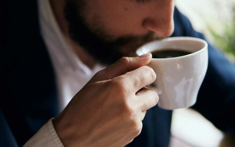 https: img-k.okeinfo.net content 2019 10 18 612 2118673 mengenal-latte-factor-kebiasaan-buruk-yang-bikin-milenial-selalu-merasa-kekurangan-uang-cIYYYiHyNF.jpg