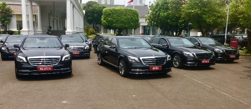 https: img-k.okeinfo.net content 2019 10 19 52 2119130 pelantikan-presiden-jokowi-akan-menggunakan-mobil-mercedes-benz-8MUQxY9y5y.jpeg