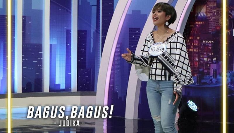 https: img-k.okeinfo.net content 2019 10 21 598 2119932 unik-peserta-indonesian-idol-ubah-lagu-ari-lasso-dalam-bahasa-mandarin-Ajk41WEjbA.jpg