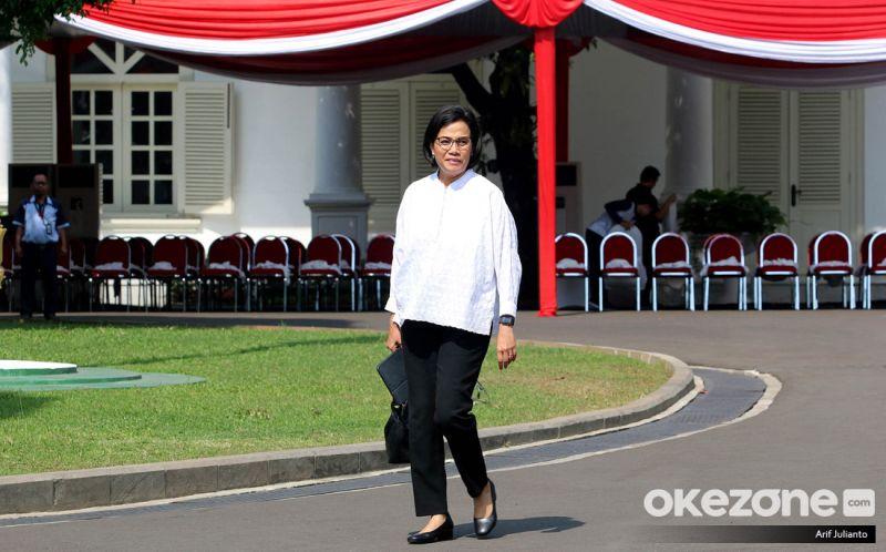 https: img-k.okeinfo.net content 2019 10 22 194 2120107 perempuan-pertama-yang-jadi-menteri-intip-5-gaya-sri-mulyani-di-istana-nnguM2QRm1.jpg