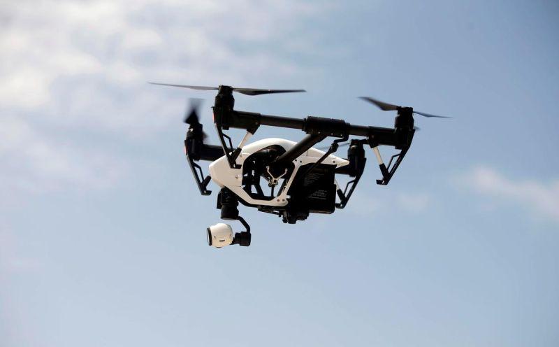https: img-k.okeinfo.net content 2019 10 22 320 2120372 gunakan-drone-harus-izin-kemenhub-ini-penjelasannya-5BZ7ptv3tJ.jpg