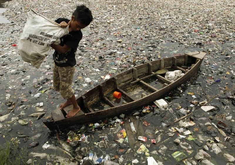 https: img-k.okeinfo.net content 2019 10 24 337 2121367 indonesia-disebut-sebagai-penghasil-sampah-plastik-terbanyak-kedua-dunia-b8z66zq0Ug.jpg
