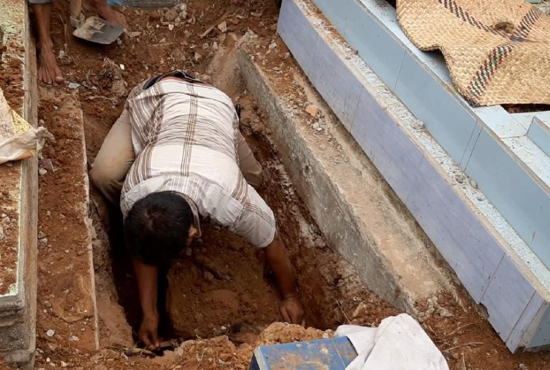 https: img-k.okeinfo.net content 2019 10 26 337 2121940 mayat-pns-di-palembang-ternyata-dicor-teman-sekantor-B0NpMBTQLK.jpg