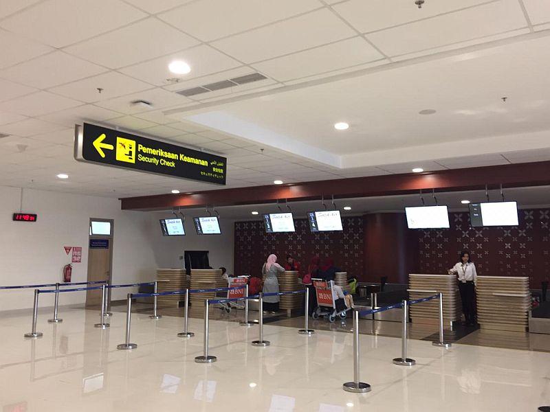 https: img-k.okeinfo.net content 2019 10 27 320 2122366 percepatan-infrastruktur-papua-10-bandara-hingga-5-pelabuhan-dibangun-rxiFCmgilu.jpg