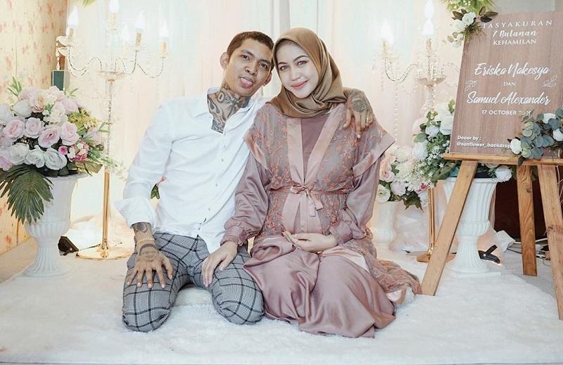 https: img-k.okeinfo.net content 2019 10 29 33 2122998 4-fakta-menarik-pernikahan-young-lex-dan-eriska-nakesya-I7pkpa2T6M.jpg