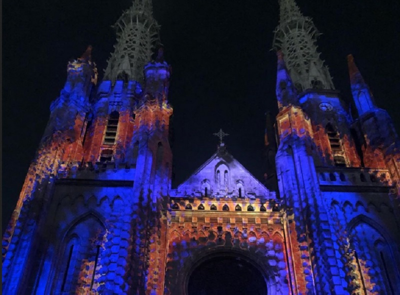 https: img-k.okeinfo.net content 2019 10 29 406 2123154 gereja-katedral-jakarta-dihiasi-video-mapping-begini-cerita-di-baliknya-tHie3imz5T.jpg