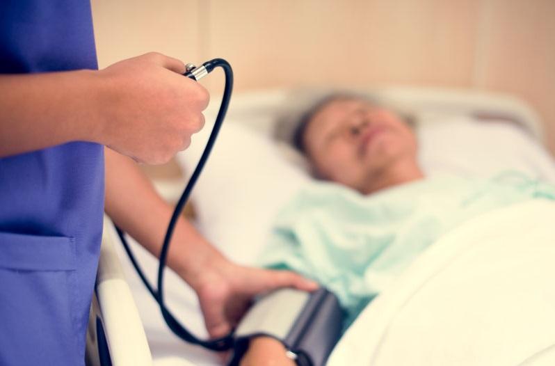 https: img-k.okeinfo.net content 2019 10 29 481 2122950 saat-gejala-muncul-pasien-stroke-harus-ditolong-sebelum-2-jam-x36mgdTNno.jpg