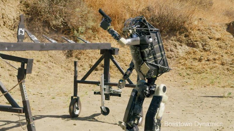 https: img-k.okeinfo.net content 2019 10 29 56 2123057 robot-bisa-tembak-senjata-api-parodi-bosstown-dynamics-bikin-ngeri-NdkS1VR1Tf.jpg
