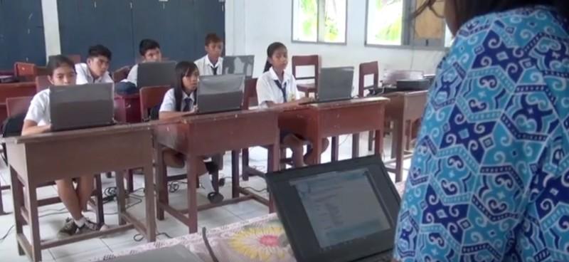 https: img-k.okeinfo.net content 2019 10 30 207 2123485 digitalisasi-sekolah-percepat-perluasan-akses-pendidikan-bermutu-di-wilayah-tertinggal-f2e4CBF0Wi.jpg