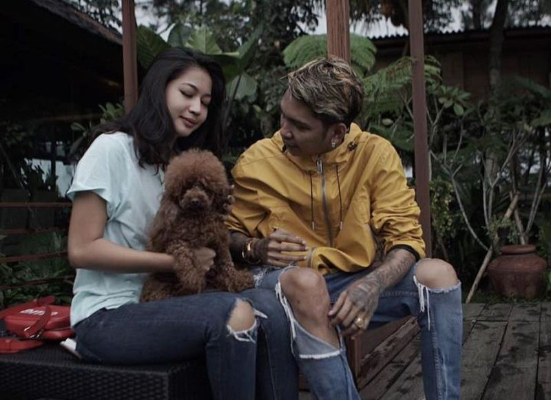 https: img-k.okeinfo.net content 2019 11 05 33 2125883 beda-agama-young-lex-isyaratkan-pernikahannya-tak-digelar-di-indonesia-4OpnoZODIa.jpg