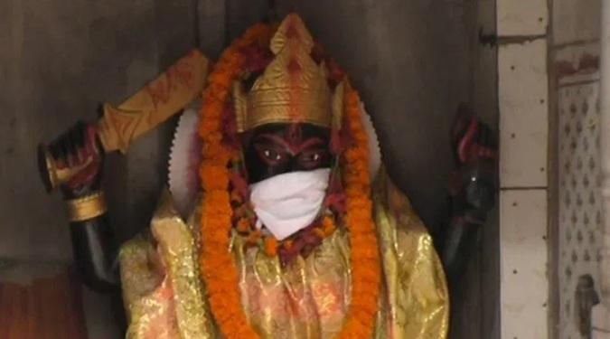https: img-k.okeinfo.net content 2019 11 07 18 2126858 polusi-udara-makin-buruk-patung-patung-dewa-di-india-diberi-masker-0WTVNYBzuh.jpg
