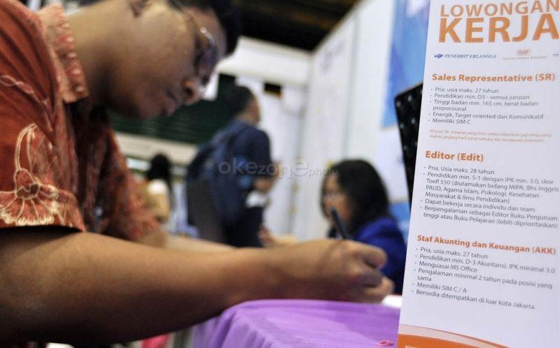 https: img-k.okeinfo.net content 2019 11 08 337 2127637 pengangguran-terdidik-di-indonesia-diprediksi-meningkat-di-2030-mpNznmDu8R.jpg