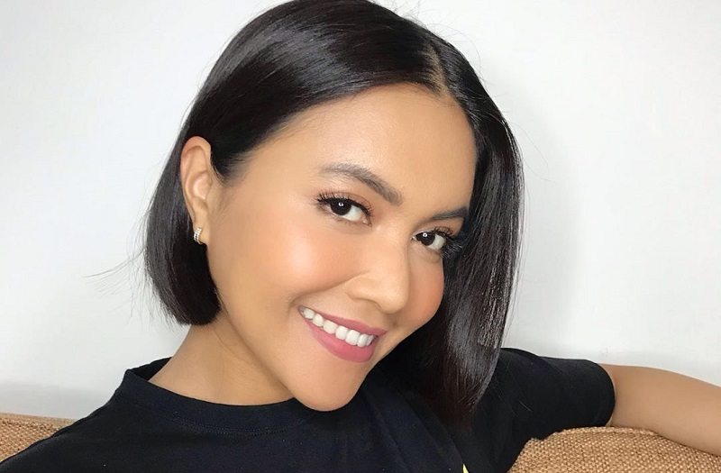 https: img-k.okeinfo.net content 2019 11 09 33 2127877 berobat-di-singapura-putri-denada-kangen-makanan-indonesia-0rVcSq3hL9.jpg