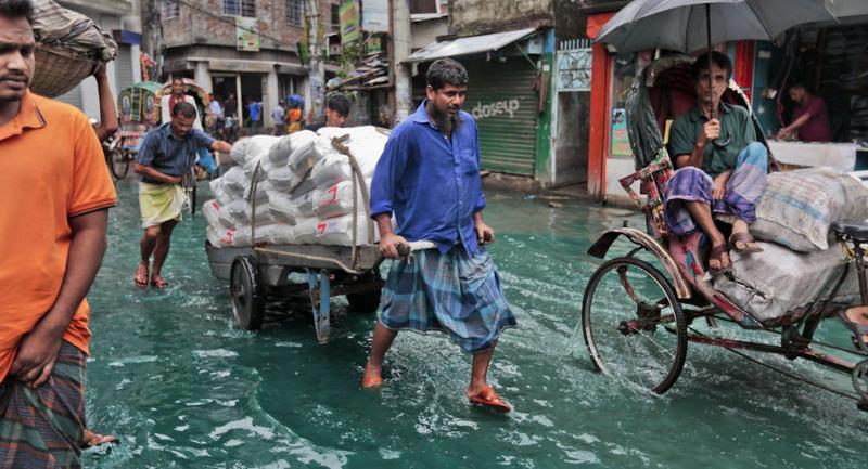https: img-k.okeinfo.net content 2019 11 10 18 2127985 antisipasi-terjangan-topan-bulbul-lebih-dari-1-8-juta-orang-di-bangladesh-dievakuasi-qcMUjDLlIa.jpg