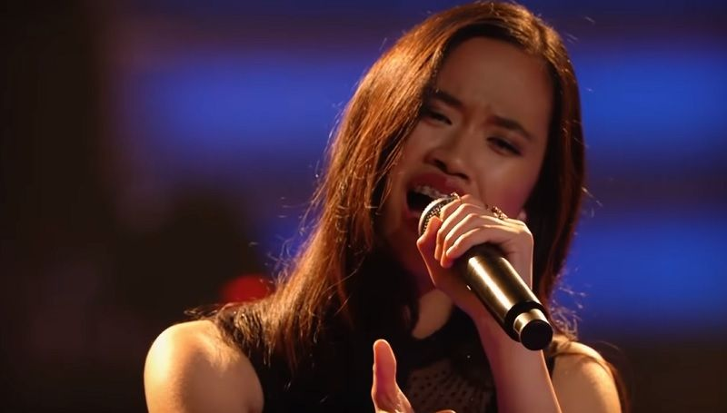 https: img-k.okeinfo.net content 2019 11 11 205 2128415 mengenal-claudia-emmanuela-santoso-juara-the-voice-of-germany-wH0ROnLlRj.jpg