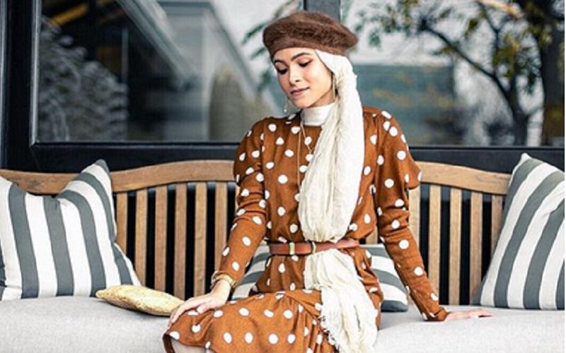 https: img-k.okeinfo.net content 2019 11 12 617 2128739 4-gaya-hijab-polkadot-yang-bikin-kamu-makin-manis-erSqRKxXWo.jpg