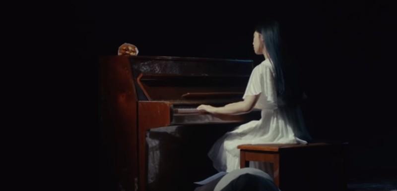 https: img-k.okeinfo.net content 2019 11 13 205 2129421 chord-dan-lirik-lagu-ragu-semesta-oleh-isyana-saraswati-6Wdio9mj8x.jpg