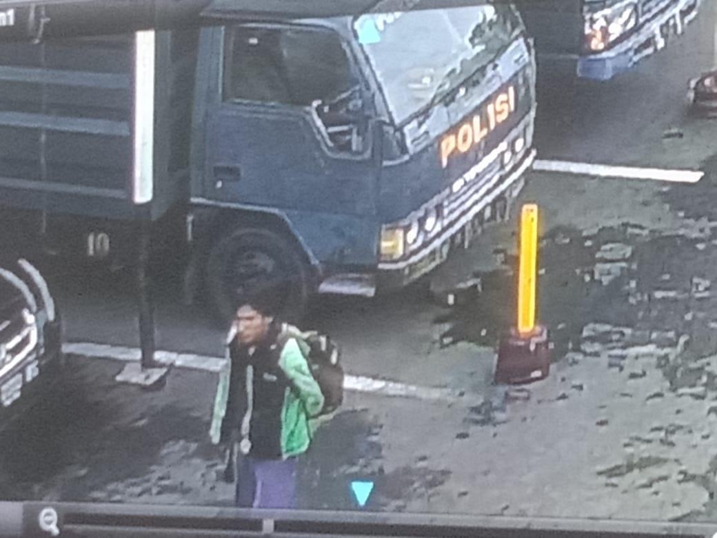 gambar 1 - bom bunuh diri medan ojek online