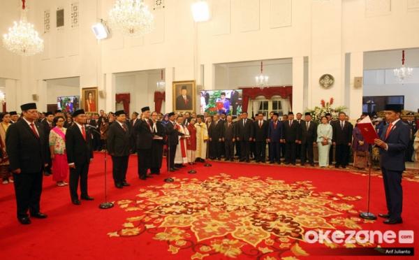 https: img-k.okeinfo.net content 2019 11 14 320 2129827 presiden-jokowi-kabinet-indonesia-maju-jauh-lebih-kompak-QaKgplR2EK.jpg