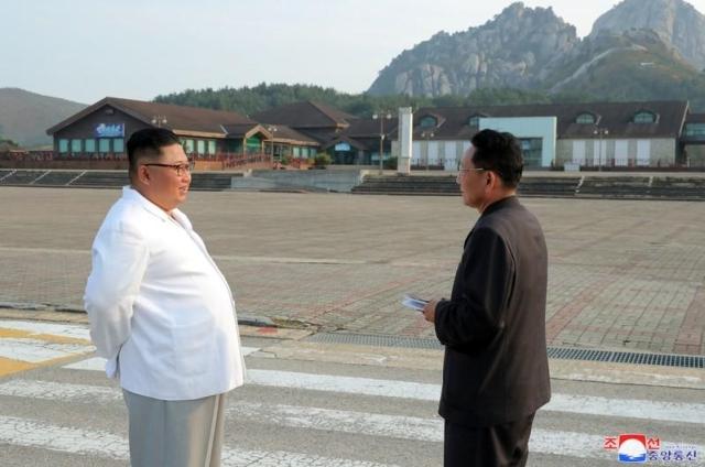 https: img-k.okeinfo.net content 2019 11 15 18 2130322 korea-utara-ancam-hancurkan-resor-gunung-kumgang-milik-korsel-el0JinqgvQ.jpg