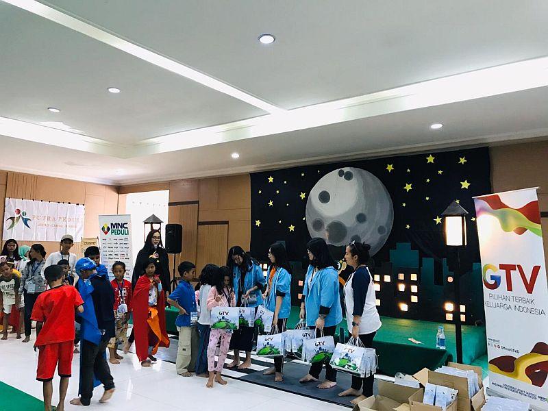 https: img-k.okeinfo.net content 2019 11 17 337 2130873 mnc-peduli-gelar-charity-children-camp-2019-di-cianjur-zGWCHS6Fdr.jpg