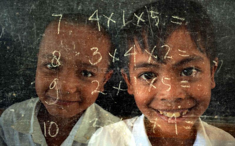 https: img-k.okeinfo.net content 2019 11 17 340 2130902 melihat-nasib-pendidikan-12-000-anak-indonesia-di-sabah-dan-sarawak-6x51EpS5hS.jpg