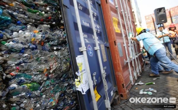 https: img-k.okeinfo.net content 2019 11 18 337 2131477 pembakaran-sampah-plastik-impor-untuk-industri-pabrik-tahu-langgar-uu-P4HXNRH1Cx.jpg