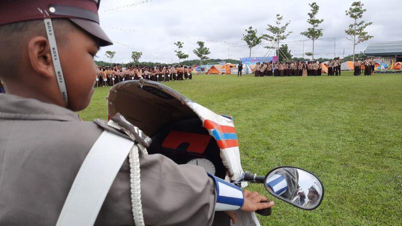 https: img-k.okeinfo.net content 2019 11 18 340 2131266 mimpi-anak-indonesia-yang-terlahir-di-malaysia-ingin-jadi-polisi-GcU0QA5z9Q.jpg