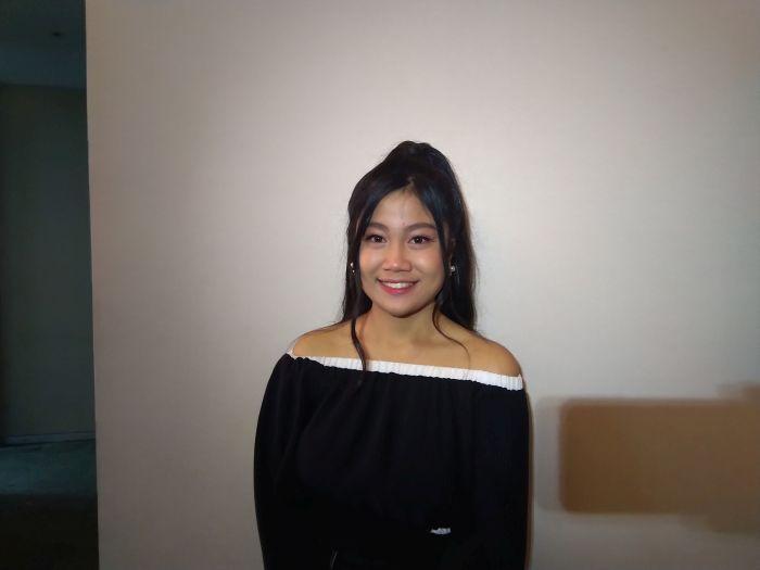 https: img-k.okeinfo.net content 2019 11 19 598 2131557 tersingkir-dari-indonesian-idol-x-della-mengaku-ikhlas-XnFWUvu1wS.jpg
