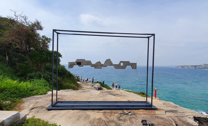 https: img-k.okeinfo.net content 2019 11 20 406 2132308 sculpture-by-the-sea-paduan-karya-seni-manusia-dan-alam-di-pantai-bondi-rGvA9nAfT8.jpeg