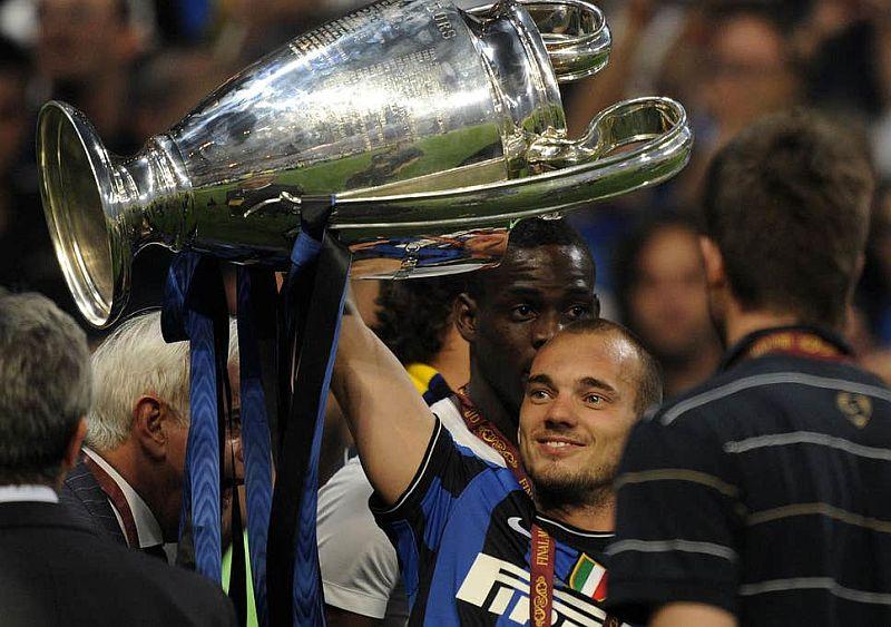 https: img-k.okeinfo.net content 2019 11 21 51 2132491 sneijder-saya-bisa-saja-jadi-seperti-ronaldo-dan-messi-O2TssFBp75.jpg