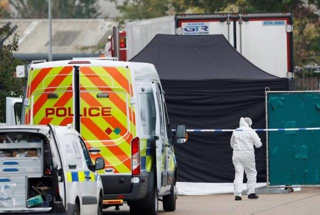 https: img-k.okeinfo.net content 2019 11 22 18 2133342 seorang-pria-ditangkap-terkait-penemuan-39-mayat-dalam-truk-di-inggris-wvTNjCB16B.jpg