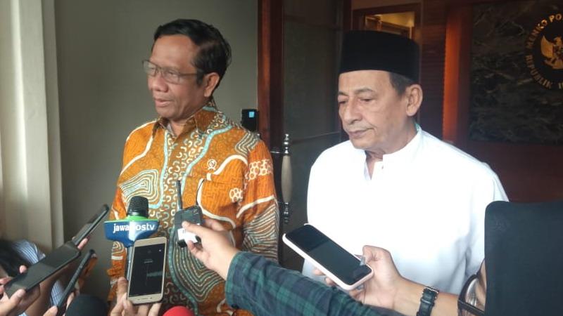 https: img-k.okeinfo.net content 2019 11 22 337 2133115 mahfud-md-dan-habib-luthfi-bahas-indonesia-damai-z3t1qzHgYh.jpg