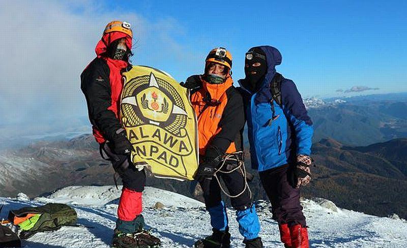 https: img-k.okeinfo.net content 2019 11 22 65 2133149 mahasiswa-ri-berhasil-menaklukan-gunung-es-di-china-dengan-konsep-nirsampah-6YS8yuG2oP.jpg