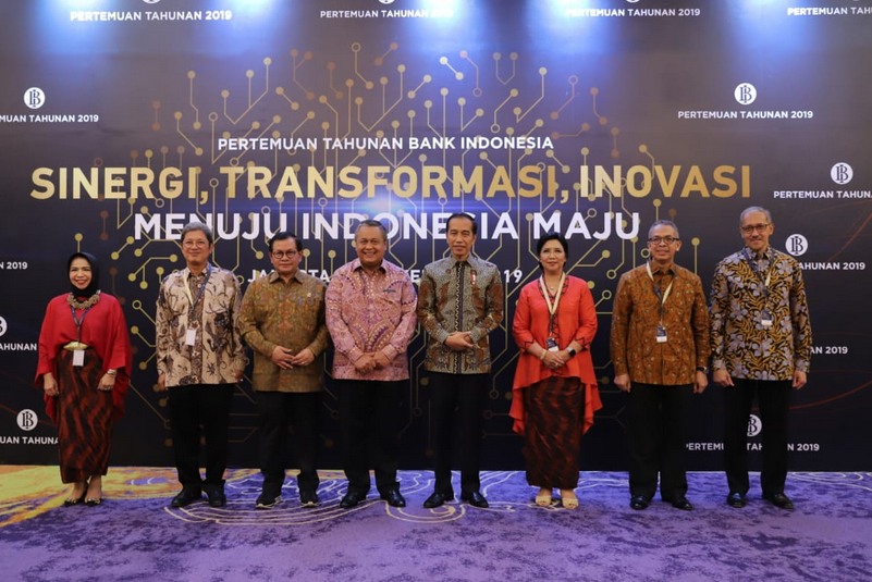 https: img-k.okeinfo.net content 2019 11 28 20 2135714 di-depan-jokowi-bos-bi-buka-bukaan-ekonomi-indonesia-pada-2020-JjsEGqqYkJ.png