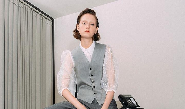 https: img-k.okeinfo.net content 2019 11 29 194 2136213 5-tips-padu-padan-busana-untuk-wanita-yang-punya-mobilitas-tinggi-7VVPqHZDR4.JPG