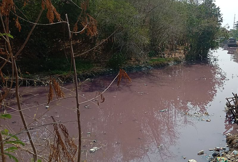 https: img-k.okeinfo.net content 2019 11 29 525 2136185 sungai-ciberes-berwarna-merah-muda-warga-mulai-resah-sCcQlHh3dm.jpg