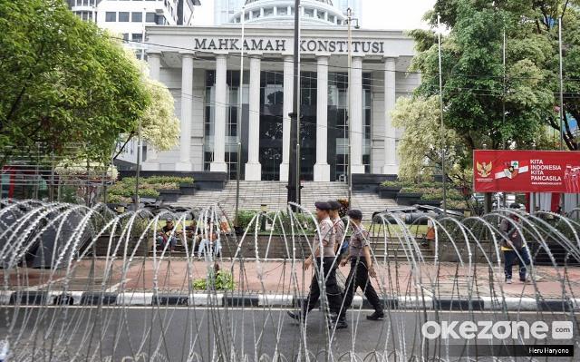 https: img-k.okeinfo.net content 2019 11 30 337 2136261 putusan-mk-dinilai-kuatkan-peradi-sebagai-organisasi-tunggal-advokat-UvKeGwNRso.JPG