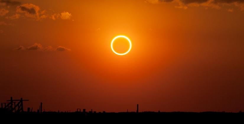 https: img-k.okeinfo.net content 2019 11 30 56 2136322 ini-wilayah-indonesia-yang-bakal-dilintasi-gerhana-matahari-cincin-zFmVfnkSLR.jpg