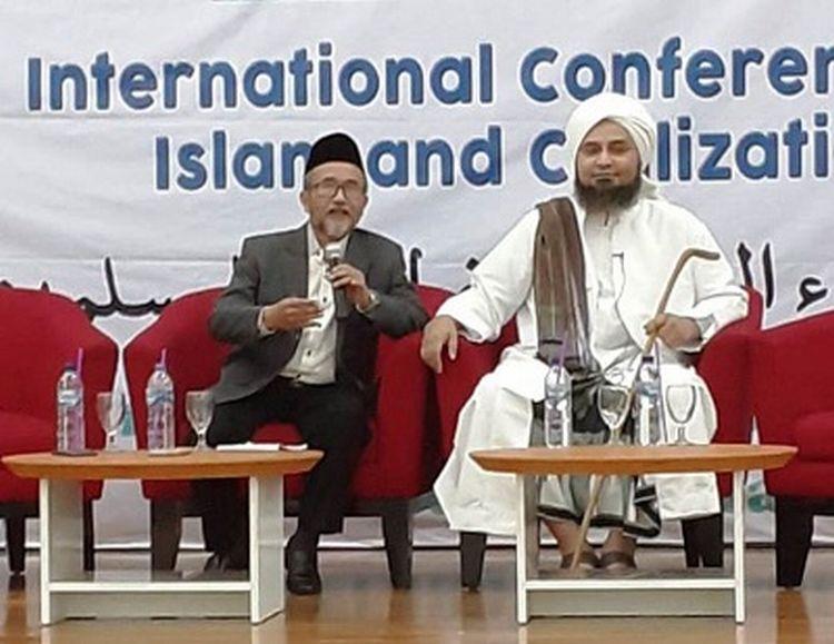 https: img-k.okeinfo.net content 2019 12 02 330 2136983 dakwah-habib-ali-al-jufri-di-indonesia-sorot-berhentinya-kajian-ilmu-pengetahuan-NVdgL8Vd5y.jpg