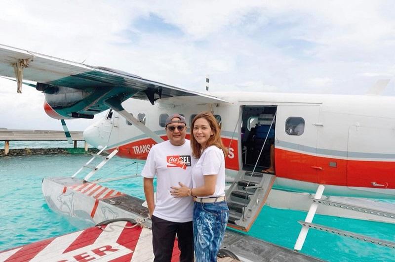 https: img-k.okeinfo.net content 2019 12 02 406 2137094 romantisnya-liburan-maia-estianty-dan-suami-ke-maldives-semakin-bahagia-CMflGmBea9.jpg
